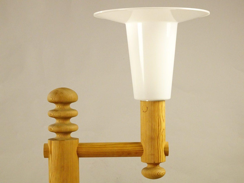 LUXUS Uno Kristiansson golvlampa lampfot trä med plast lampskärm
