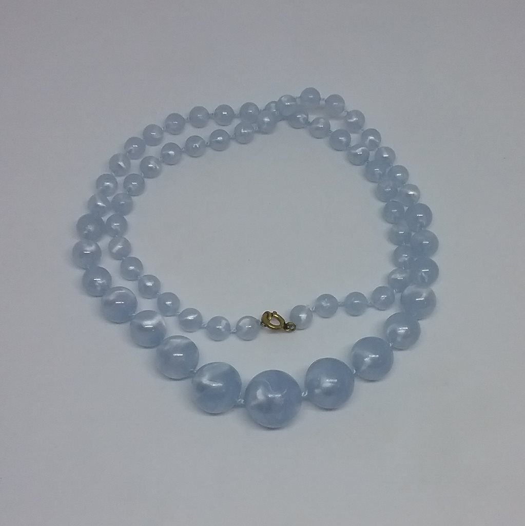 Vintage retro smycke bijouteri halsband melerade ljusblå pärlor plast  graderade 2ccf07c534b47