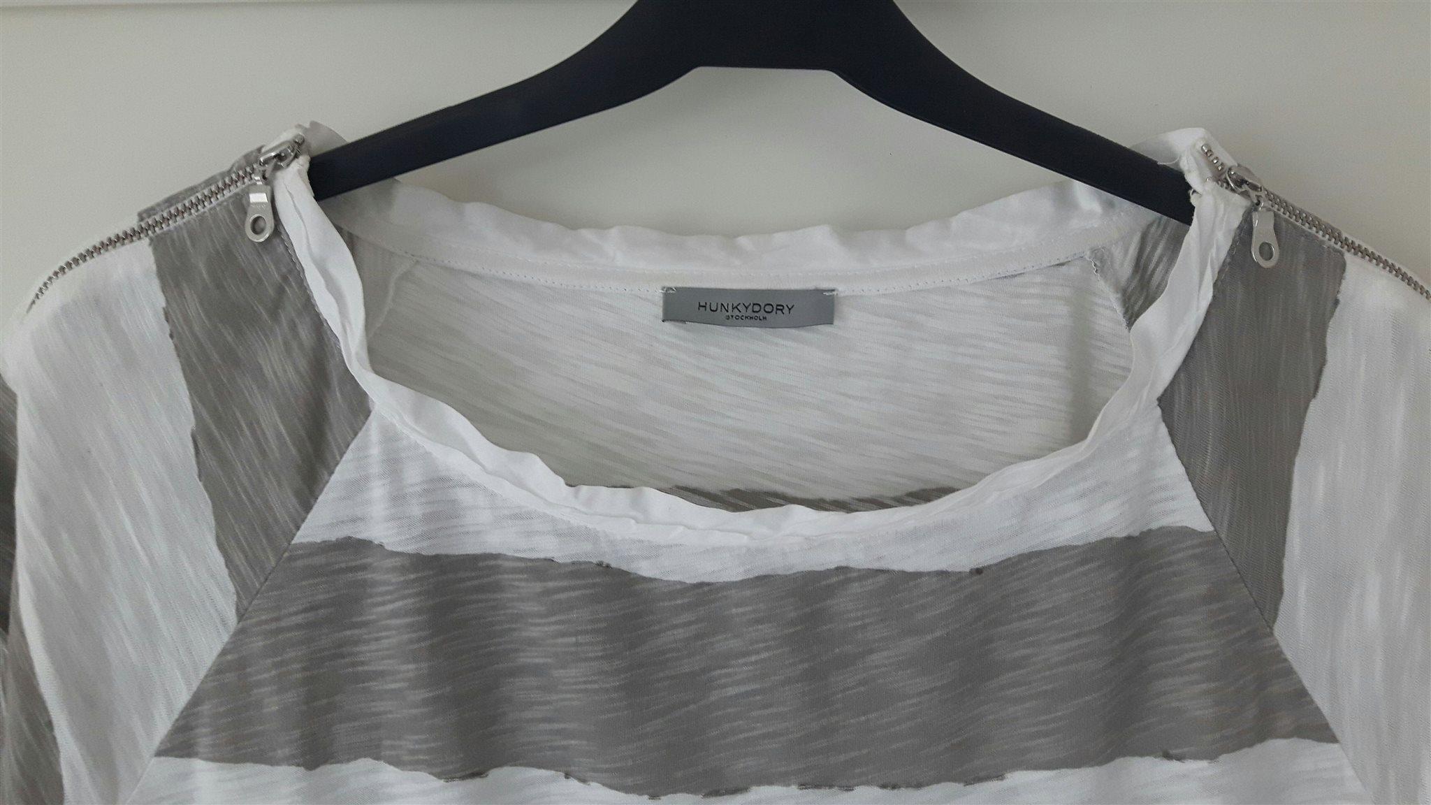 Vit och och och grå-randig kortärmad tröja, topp, t-shirt stl S,  Hunkydory, Hunky dory b8d940