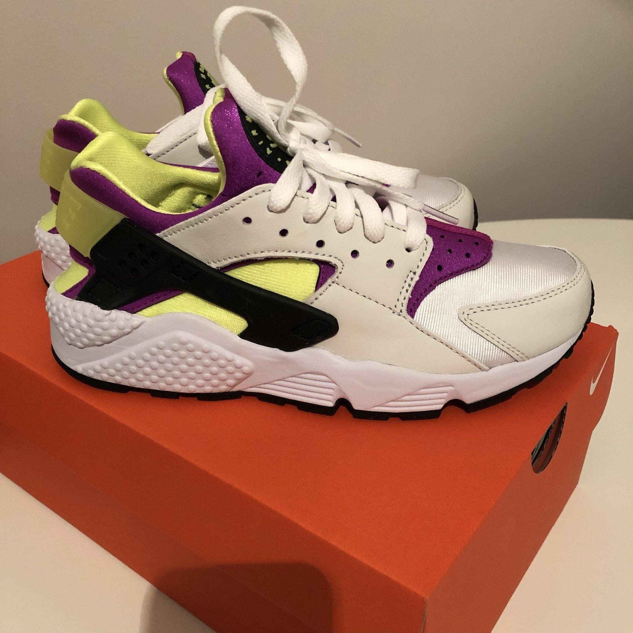low priced cc694 e03fb Nike Huarache 38,5 Nya i kartong! (347827938) ᐈ Köp på Tradera