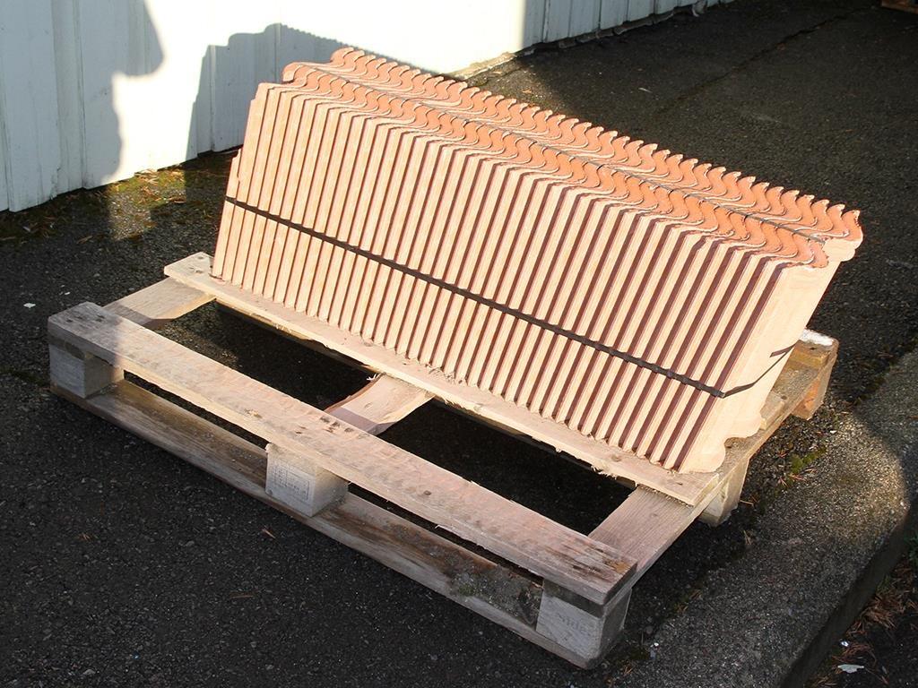 Inredning takpannor benders : 40 st. Takpannor i betongtegel - Benders på Tradera.com - Tak |
