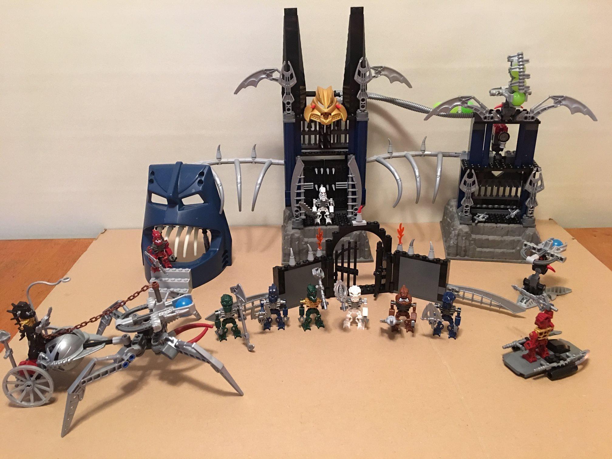 Lego Bionicle - Piraka Stronghold (8894)