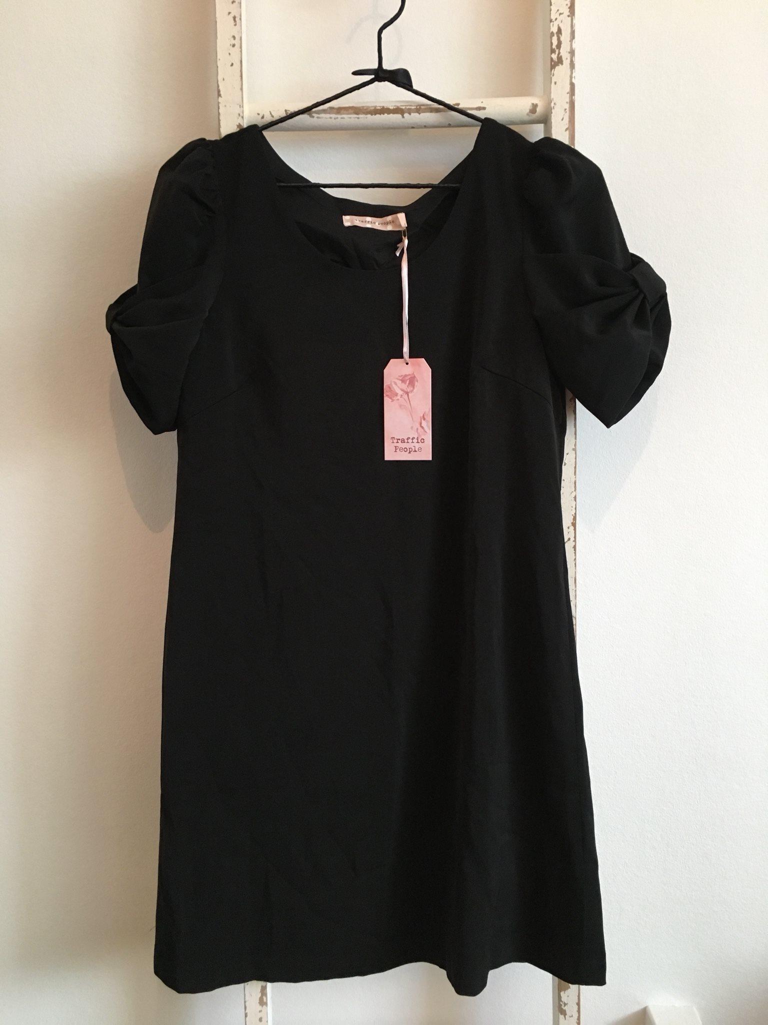 Oanvänd svart klänning från ASOS Traffic People.. (340402656) ᐈ Köp ... 264ca6bb2eb28