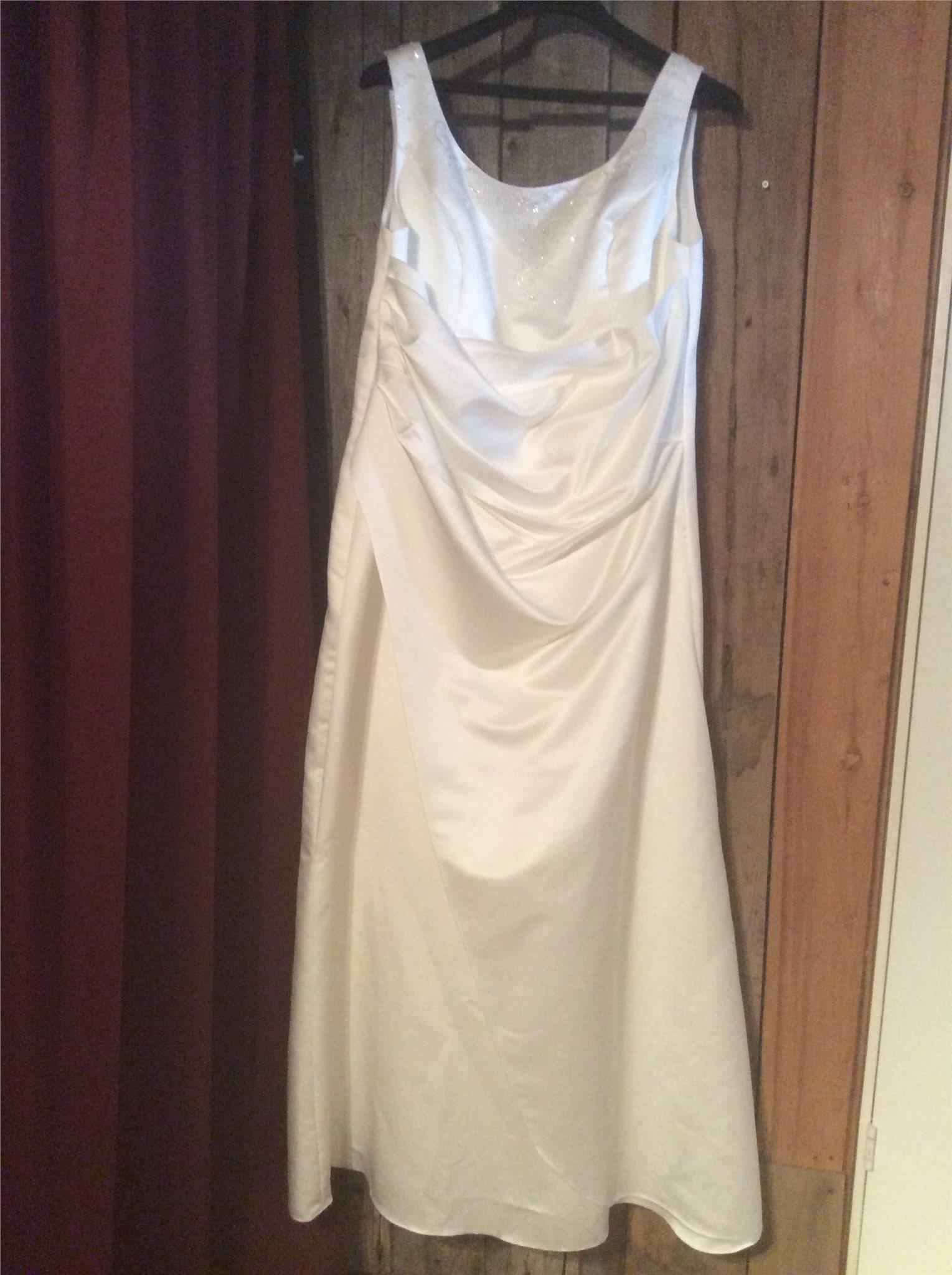 e219d570559f Brudklänning Nixa storlek 50 (345406461) ᐈ Köp på Tradera