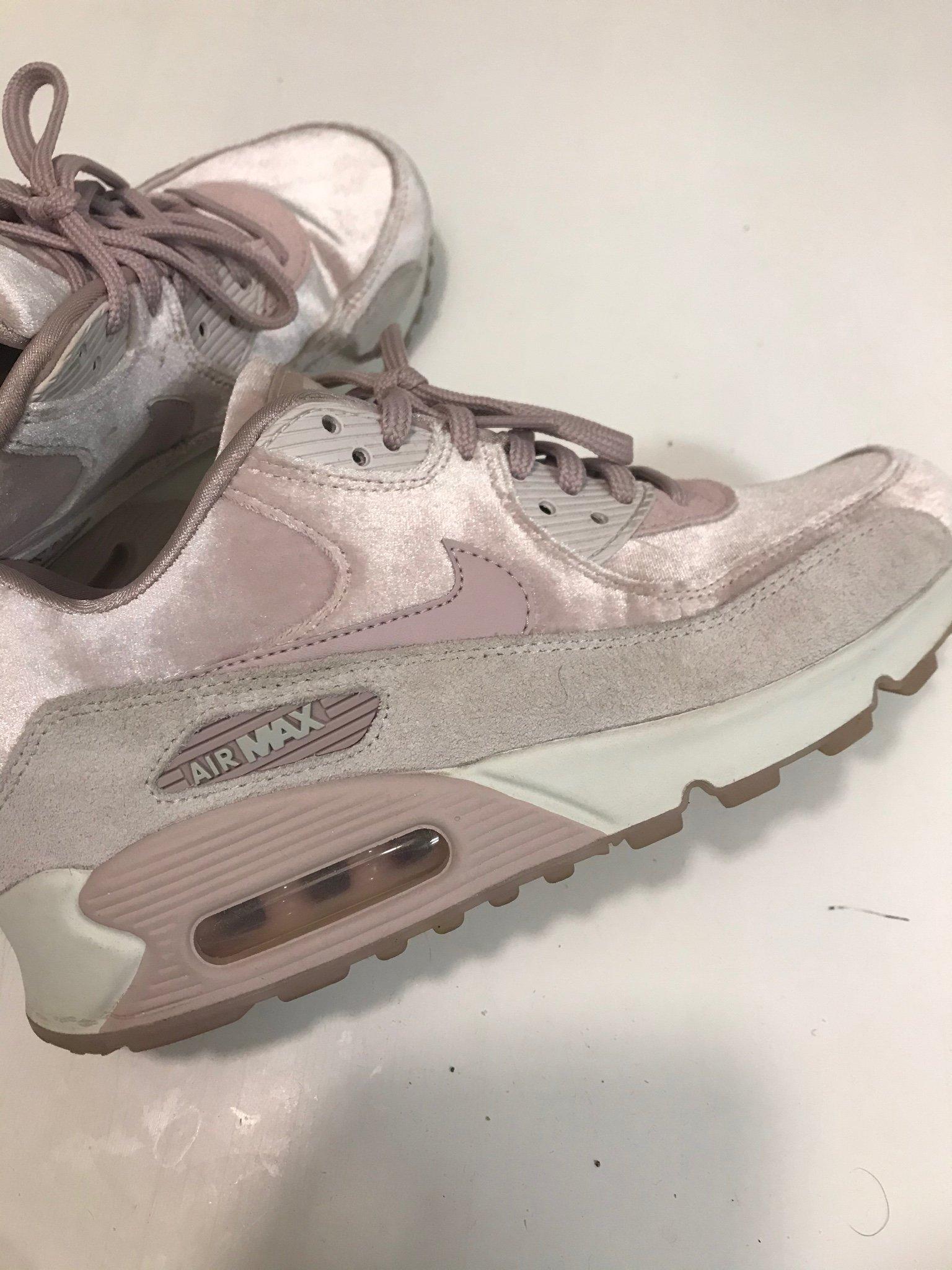 """Nike air Max 90 """"sammet"""" storlek 38,5 nya"""