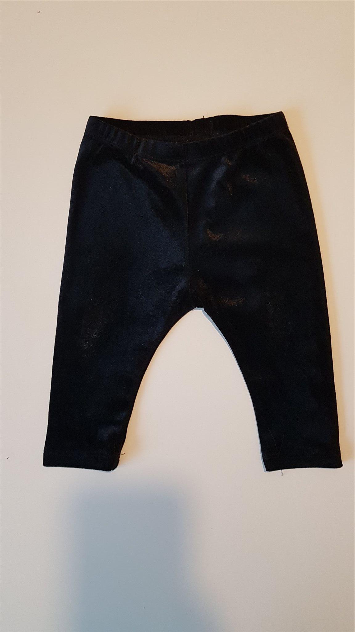 svarta byxor baby