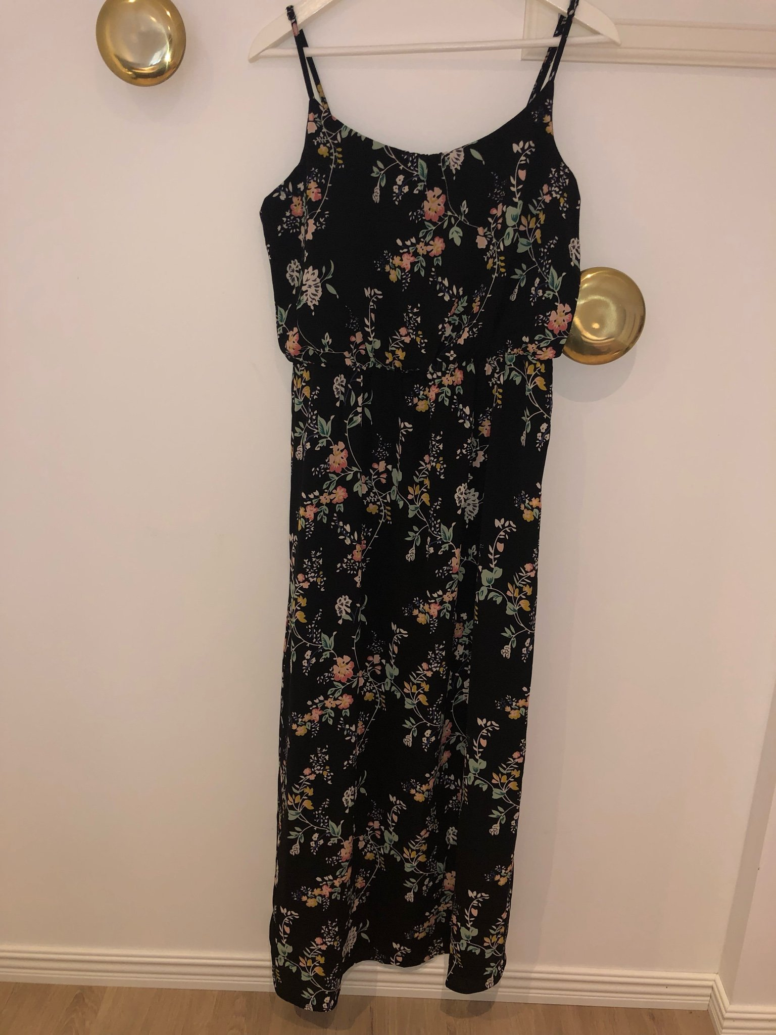 315d83077910 Ny långklänning från Only, storlek 40 (346374701) ᐈ Köp på Tradera