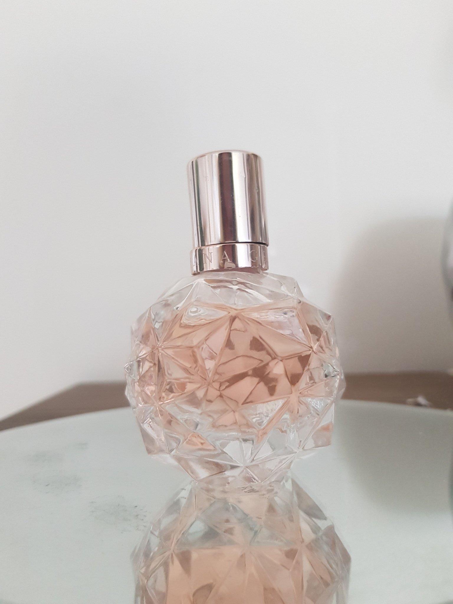 Ariana Grande Ari EdP 30 ml parfym (398311970) ᐈ Köp på Tradera