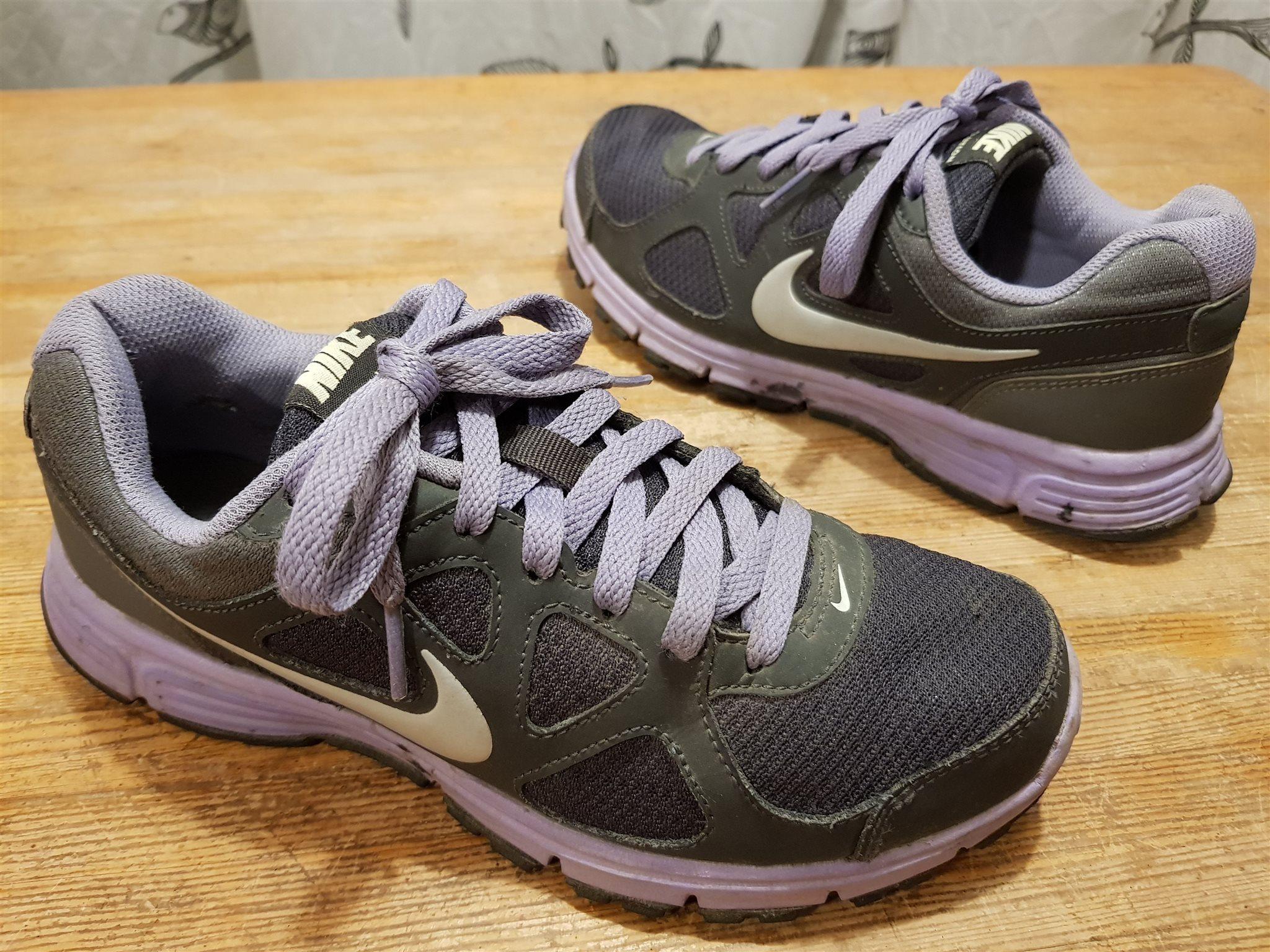 new arrival ba02a 4619b Löparskor sportskor Nike Revokution fritidsskor str 37,5 i fint skick
