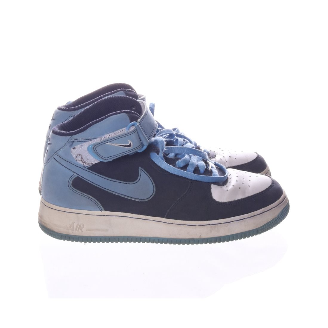 size 40 35441 cd665 Nike Air Force, Sneakers, Strl  42,5, Blå Vit
