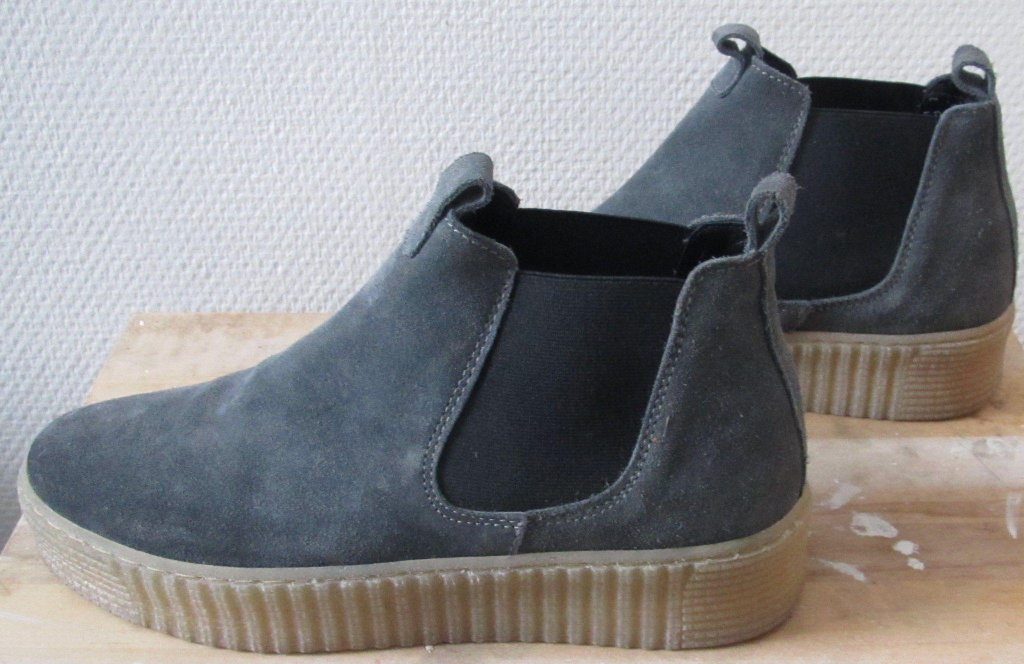 blå mocka skor