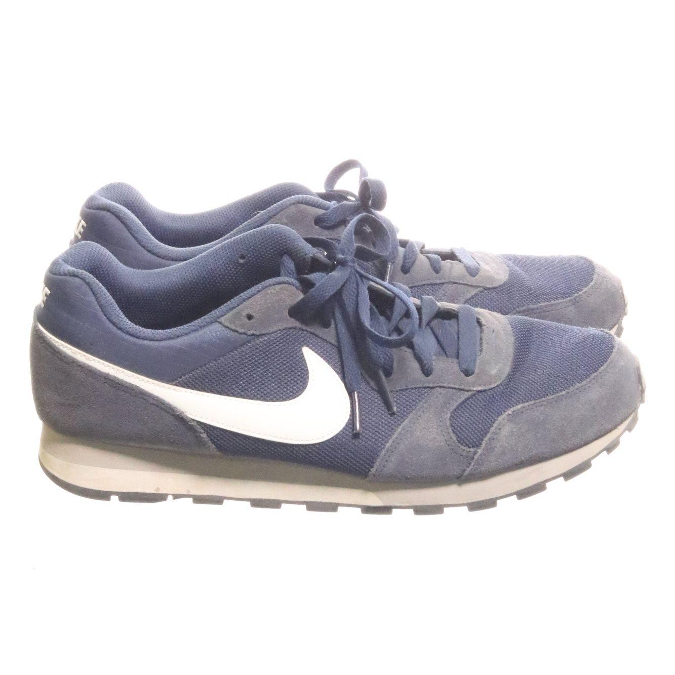 big sale cf092 4da1f Nike, Sneakers, Strl  44.5, MD Runner 2, Blå Vit
