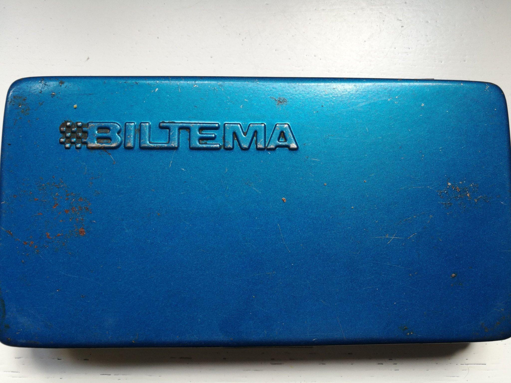 Strålande Biltema, gammal verktygslåda i plåt med innehål.. (361791547) ᐈ JX-77