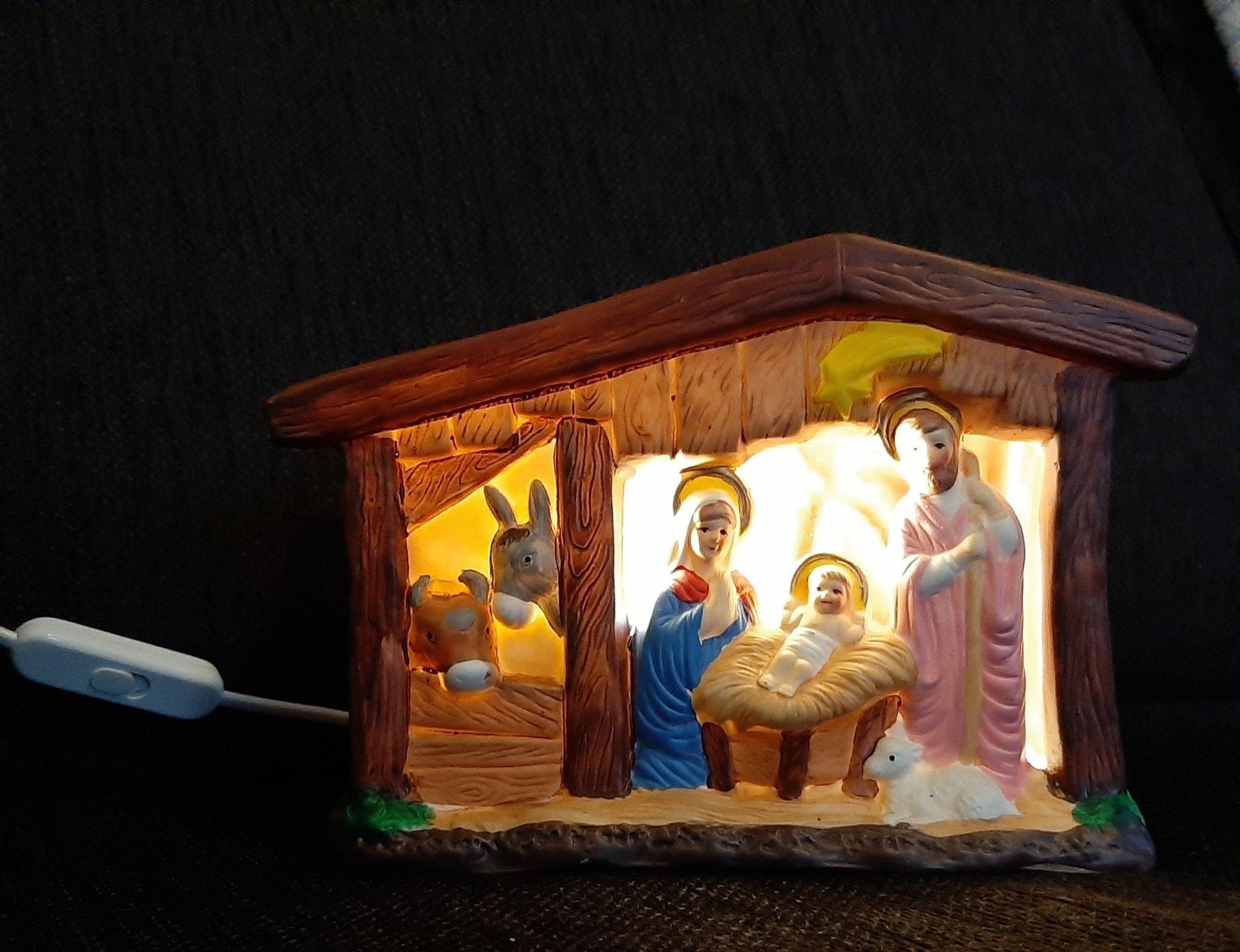 julkrubba med belysning