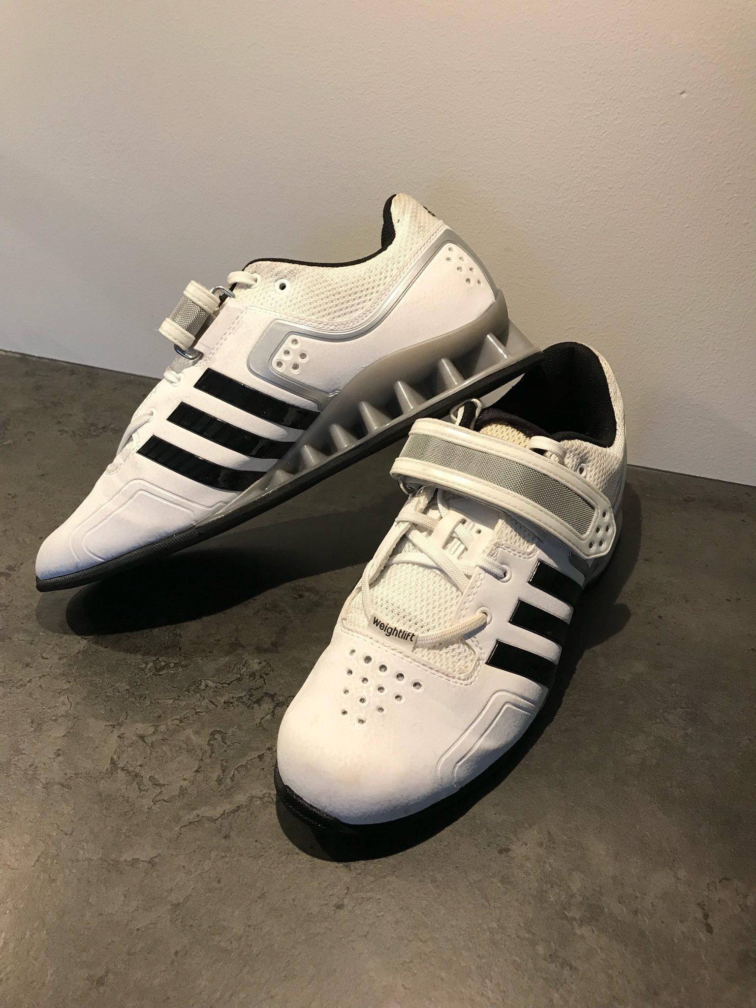 size 40 fa235 3a137 Tyngdlyftarskor Adidas adipower
