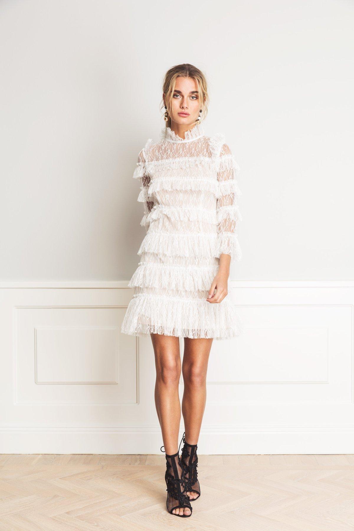 NYSKICK Cloudy White Carmine Mini Dress By Malina cocktailklänning mini klänning