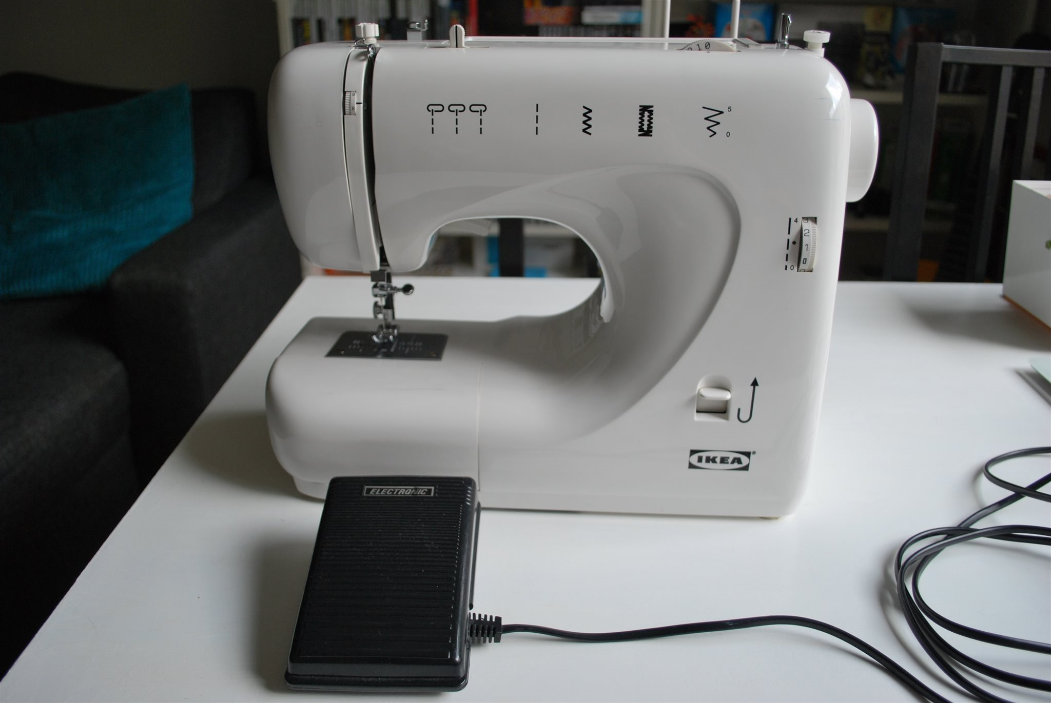 tråden trasslar sig i symaskinen