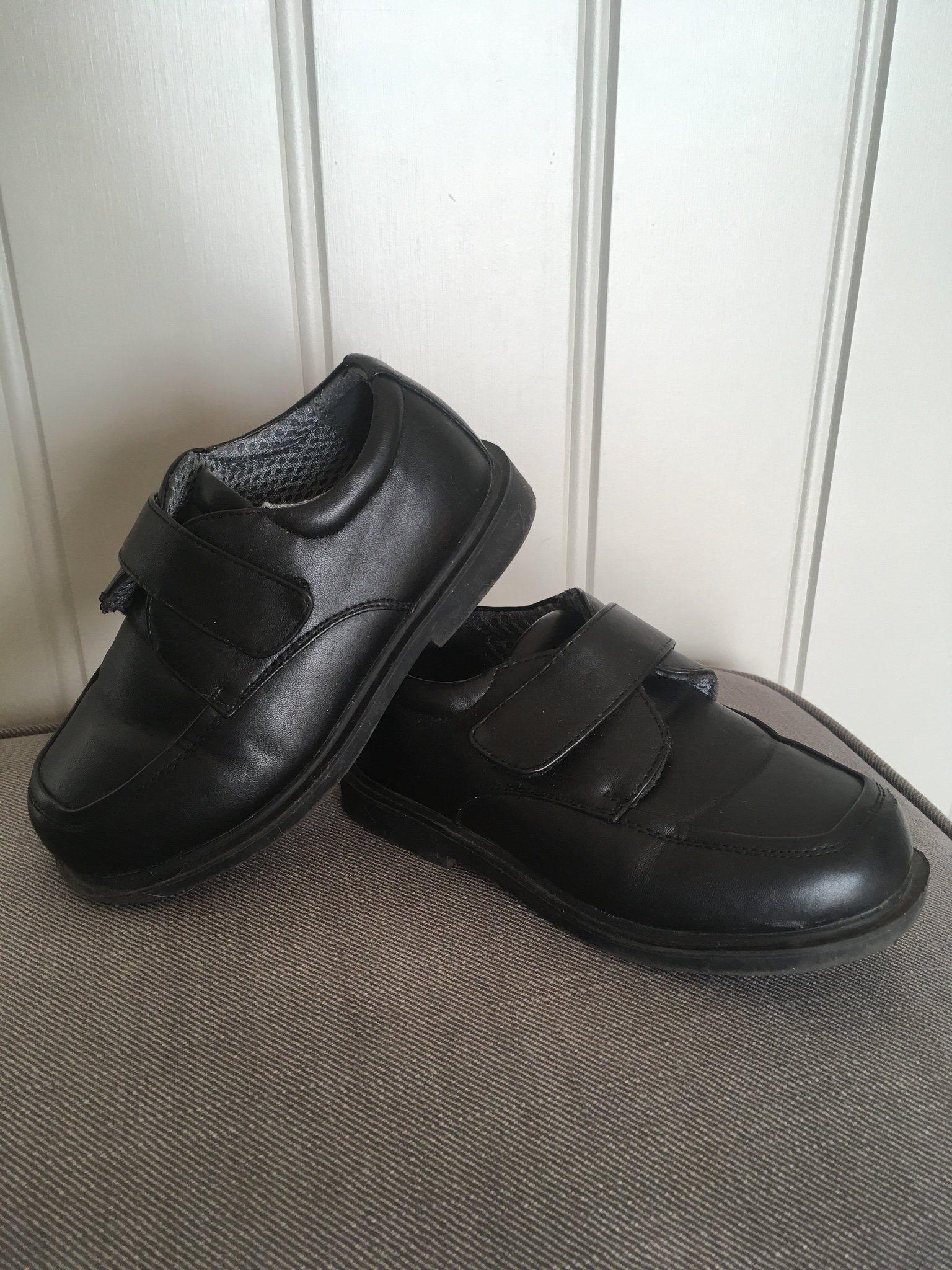 Fina svarta skor i str 31 (341403651) ᐈ Köp på Tradera ae579c5b4fd0d