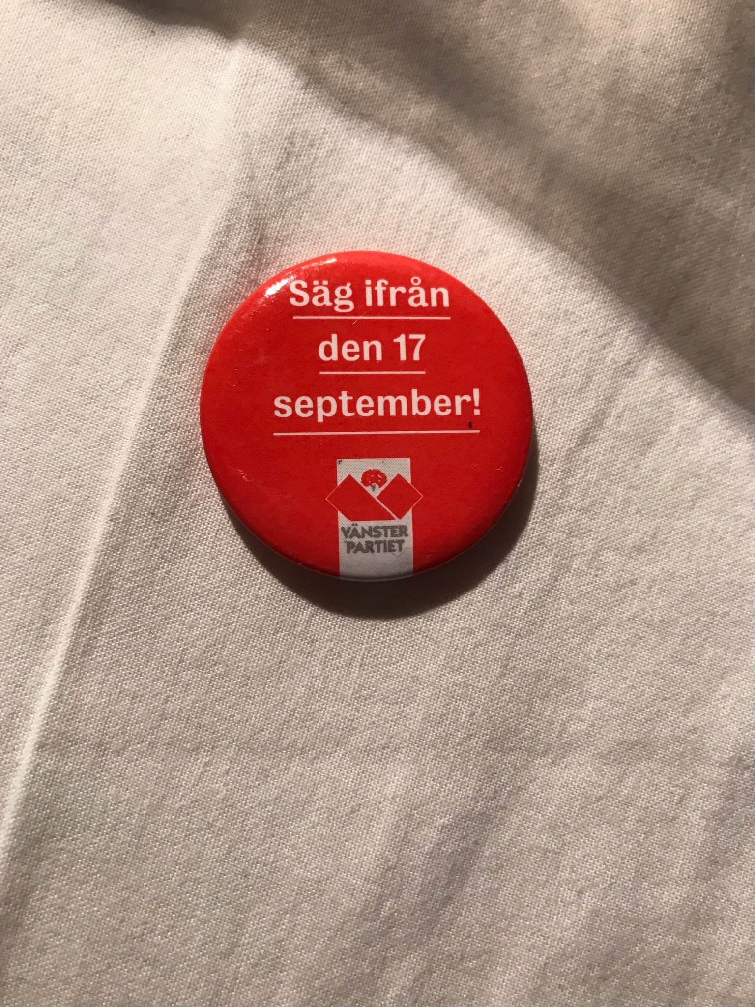 Retro pin Vänsterpartiet