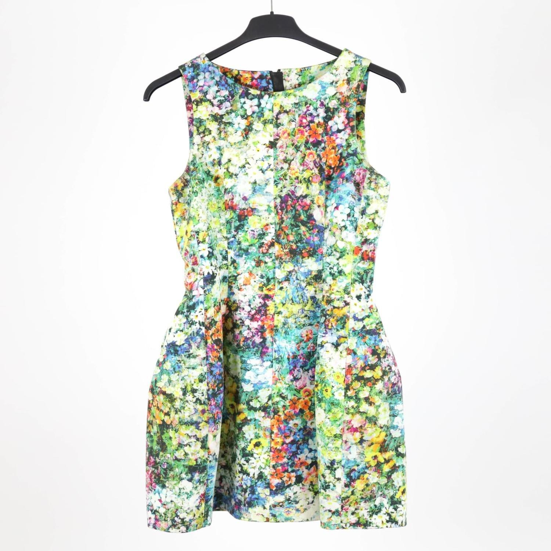 Blommig klänning från Zara, strl M (405581237) ᐈ Yaytrade