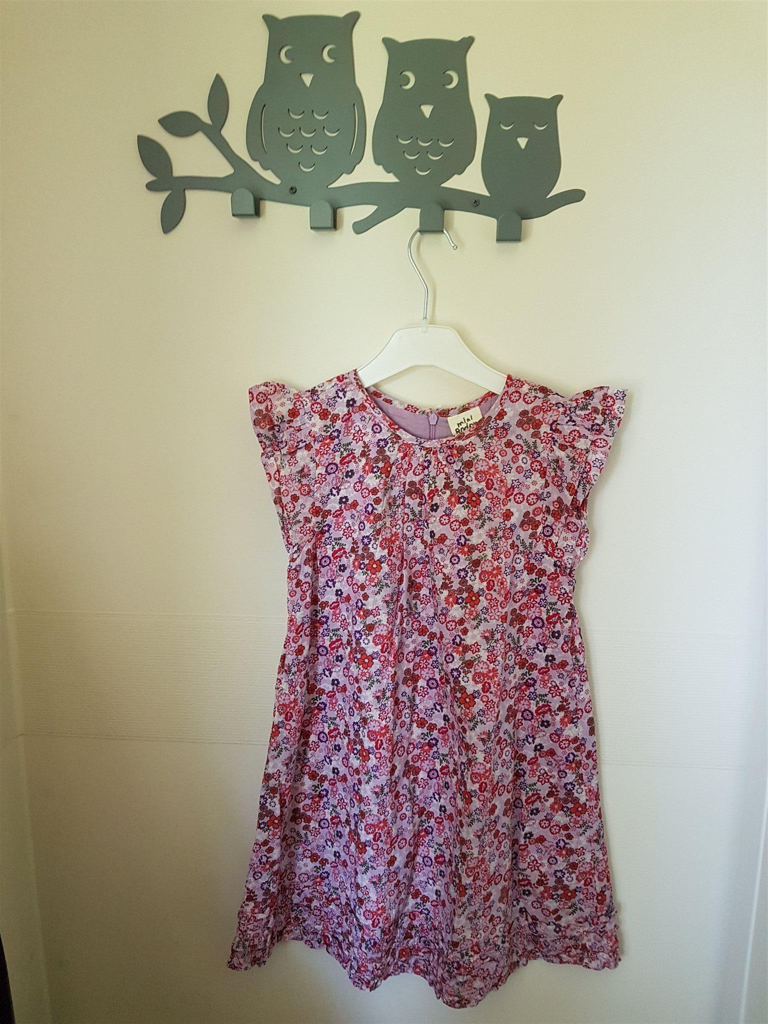 Mini Boden klänning 3d651ea3ca702
