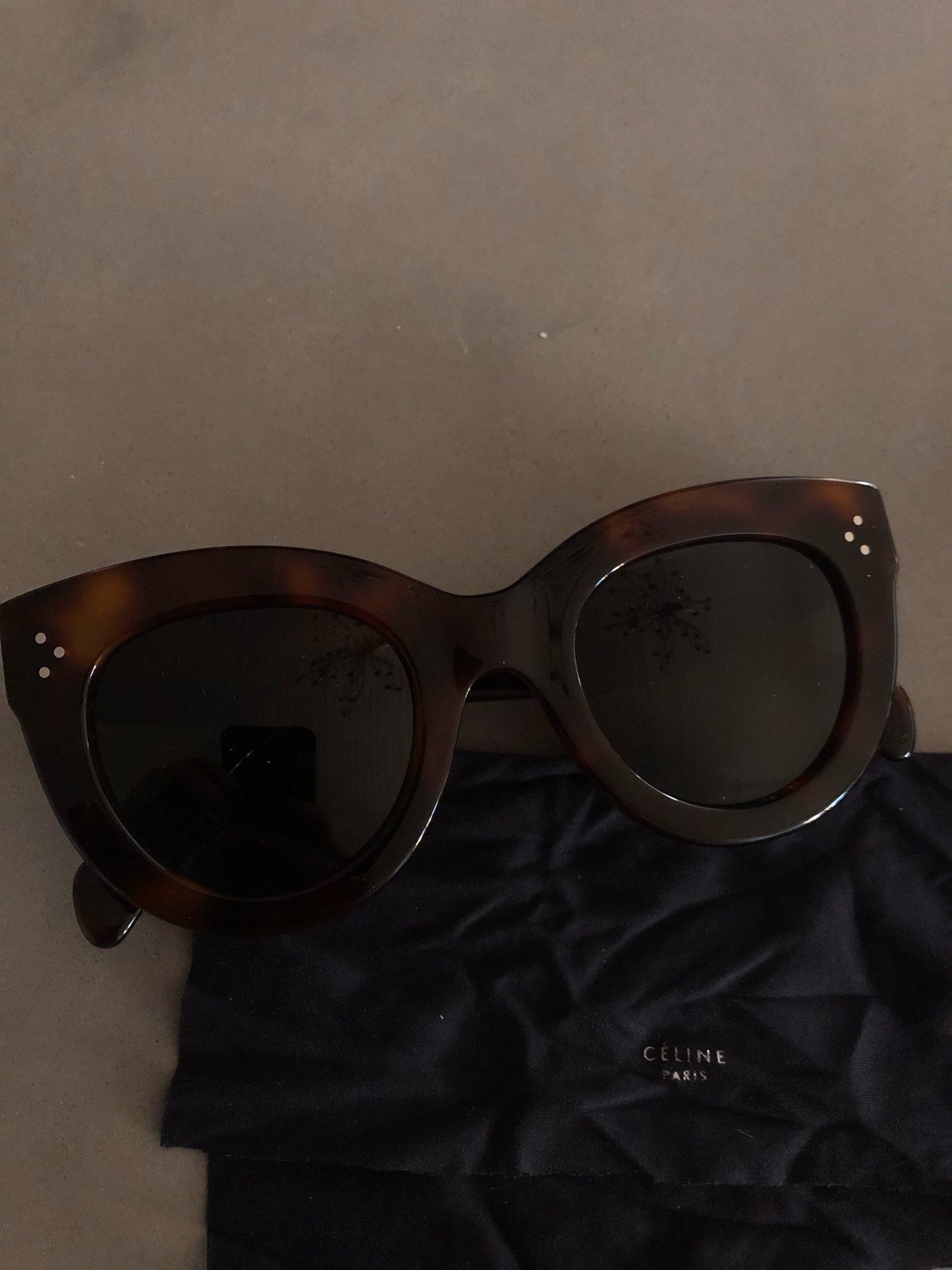 77bf8343e26 Celine solglasögon (337348950) ᐈ Köp på Tradera