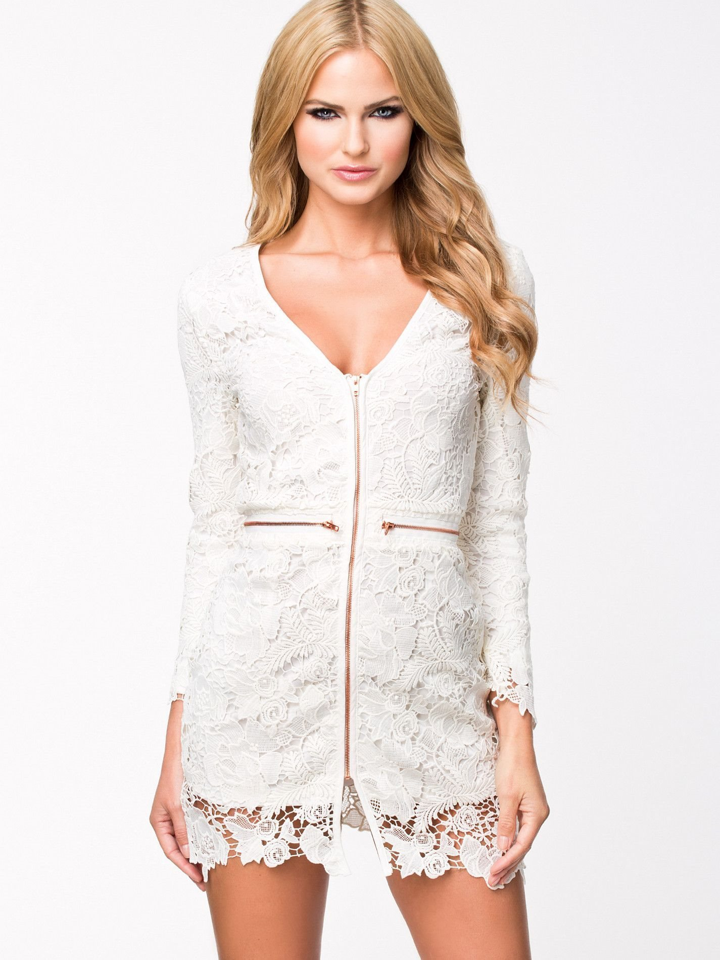rebecca stella vit klänning
