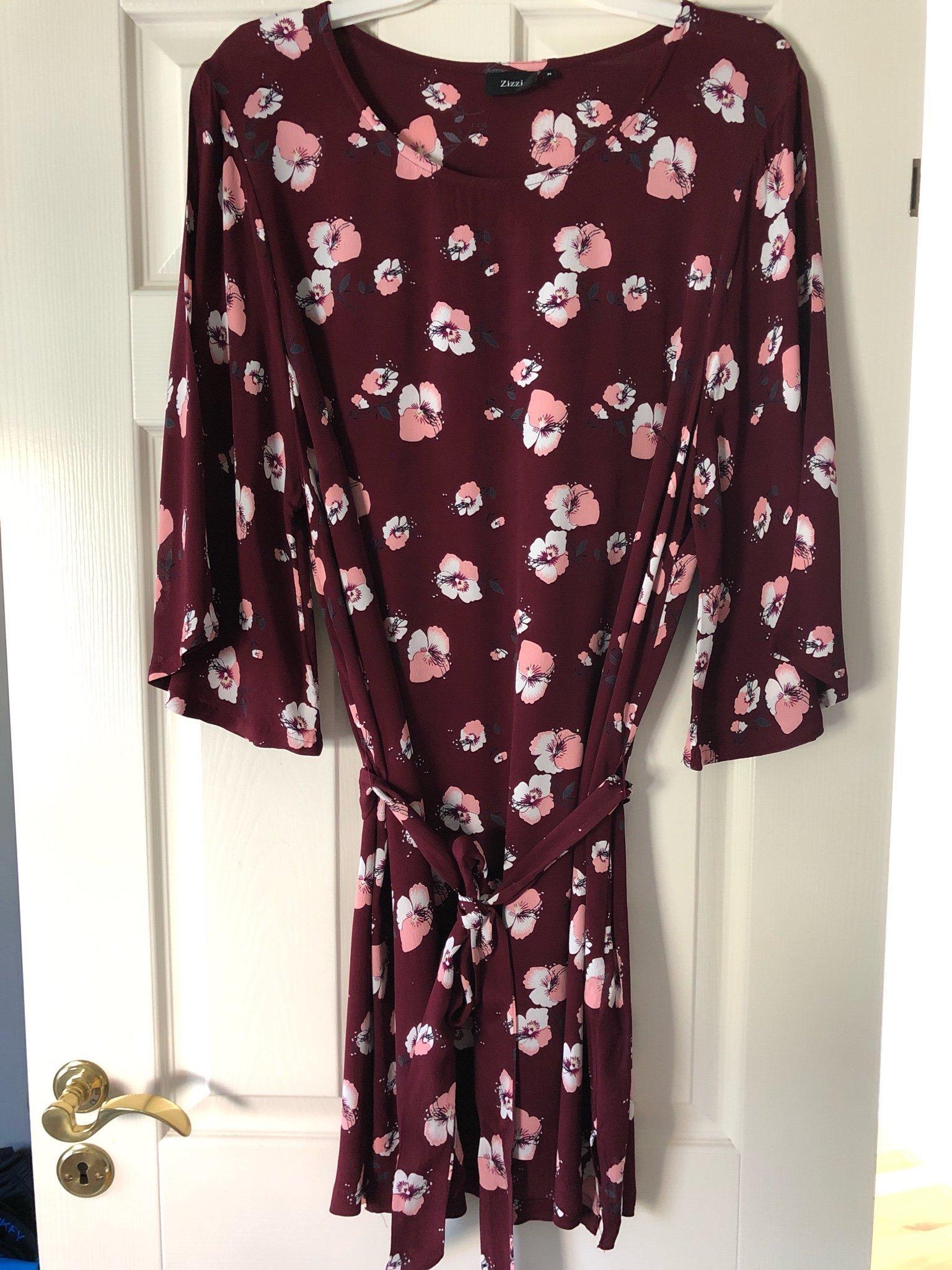 fad1d7934e53 Blommig klänning tunika från Zizzi strl M (XL) (347252869) ᐈ Köp på ...