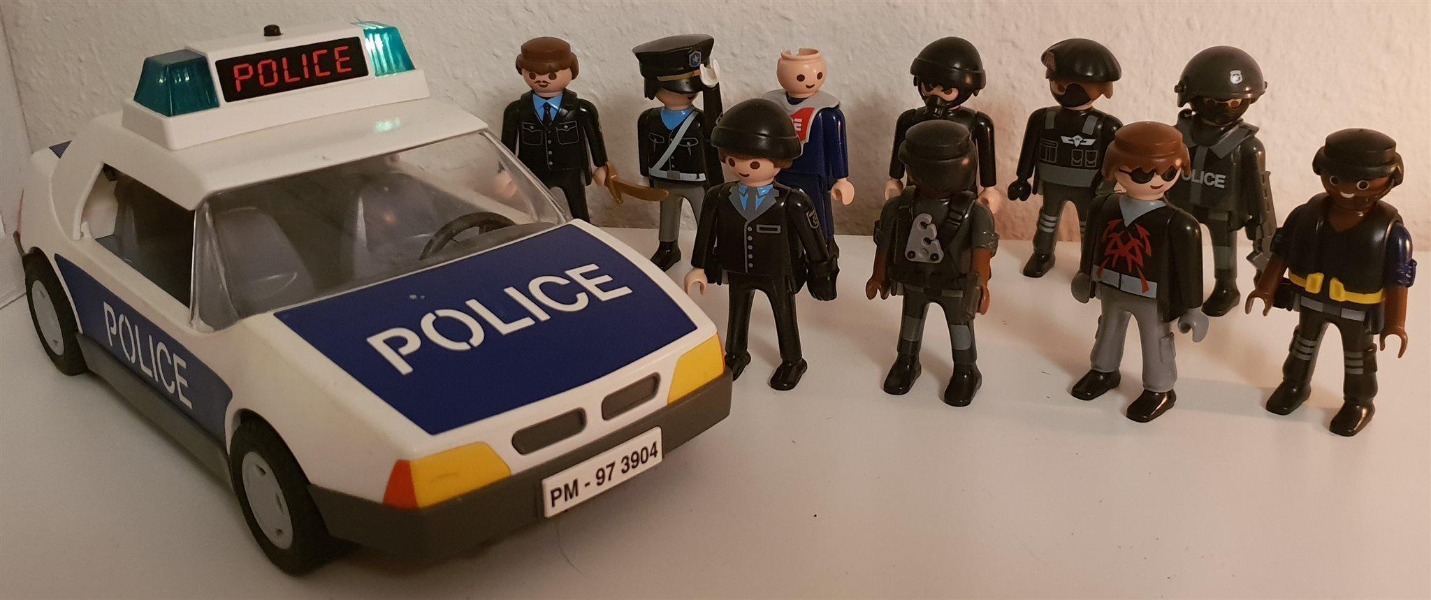 Playmobil polistema med  9 gubbar och 1 polisbil m blinkande siren