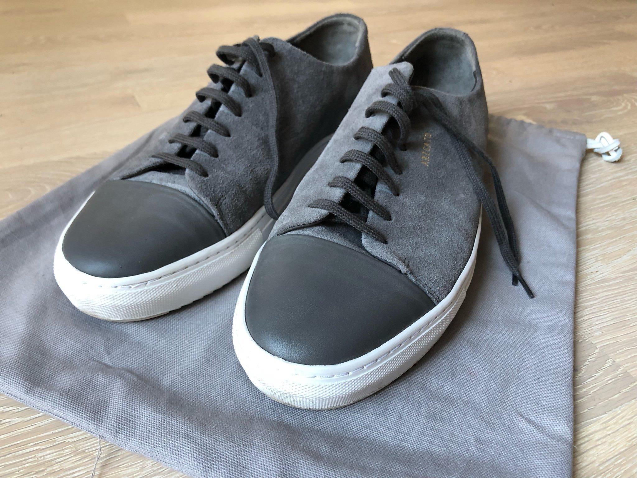 c2914899068 Axel Arigato mörkgrå cap-toe sneakers storlek 44 (348196910) ᐈ Köp ...