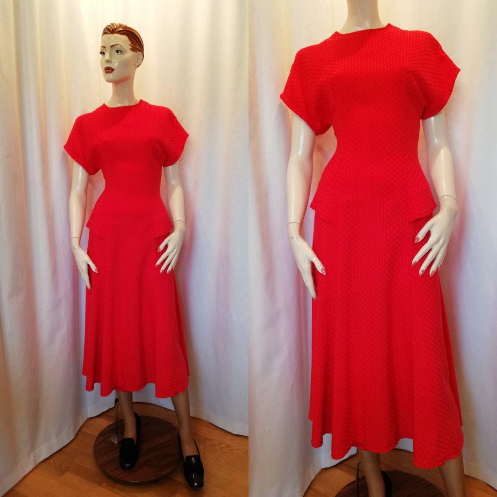Vintage retro röd klänning i 40-ta.. (326876501) ᐈ vintagecorner på ... c8533f2c8c6be