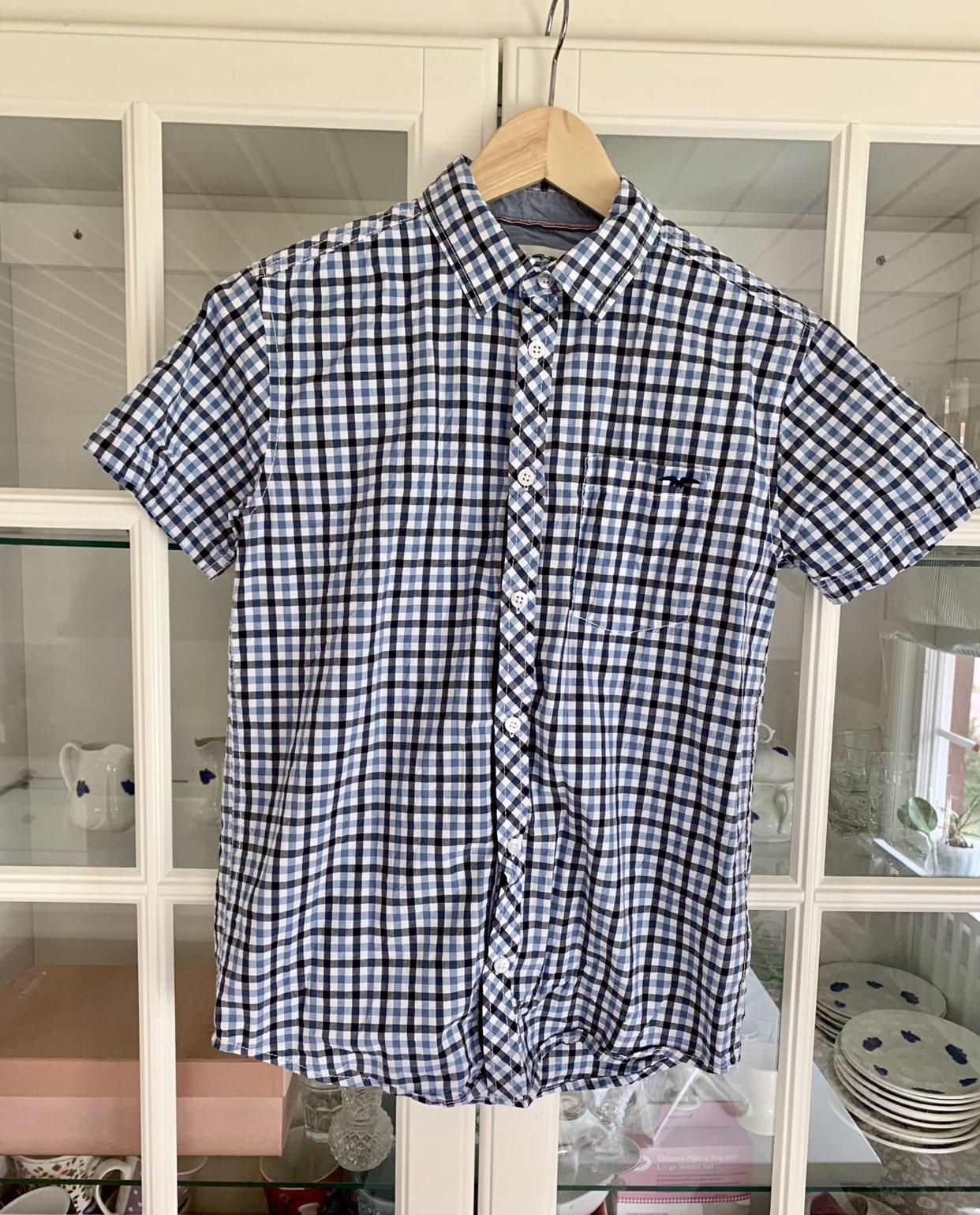 eedd4ce68033 Säljer Hampton kortärmad rutig skjorta skolavsl.. (350949430) ᐈ Köp på  Tradera