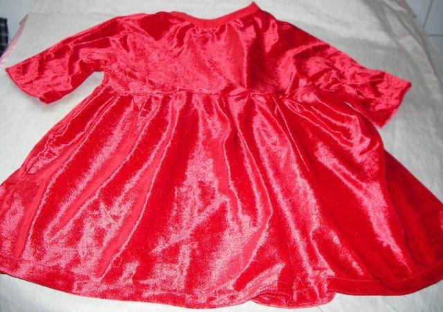 1c611b6592ca Röd Julklänning Skimrande Velour Hjärtan Stjärnor i Tyget+ Pepparkaksmössa  Baby