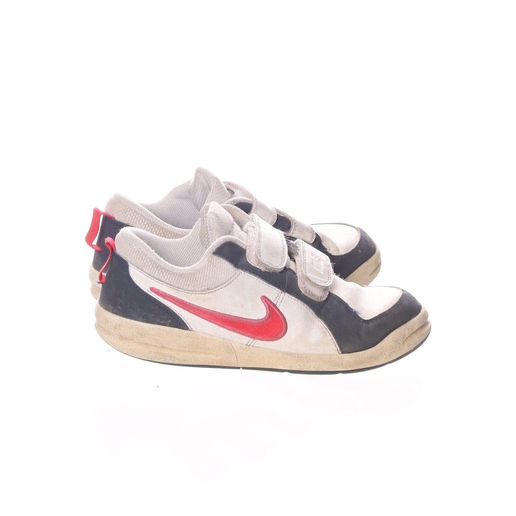 quite nice ebd80 dfc6f Nike, Sneakers, Strl  33,5, Vit Svart Röd