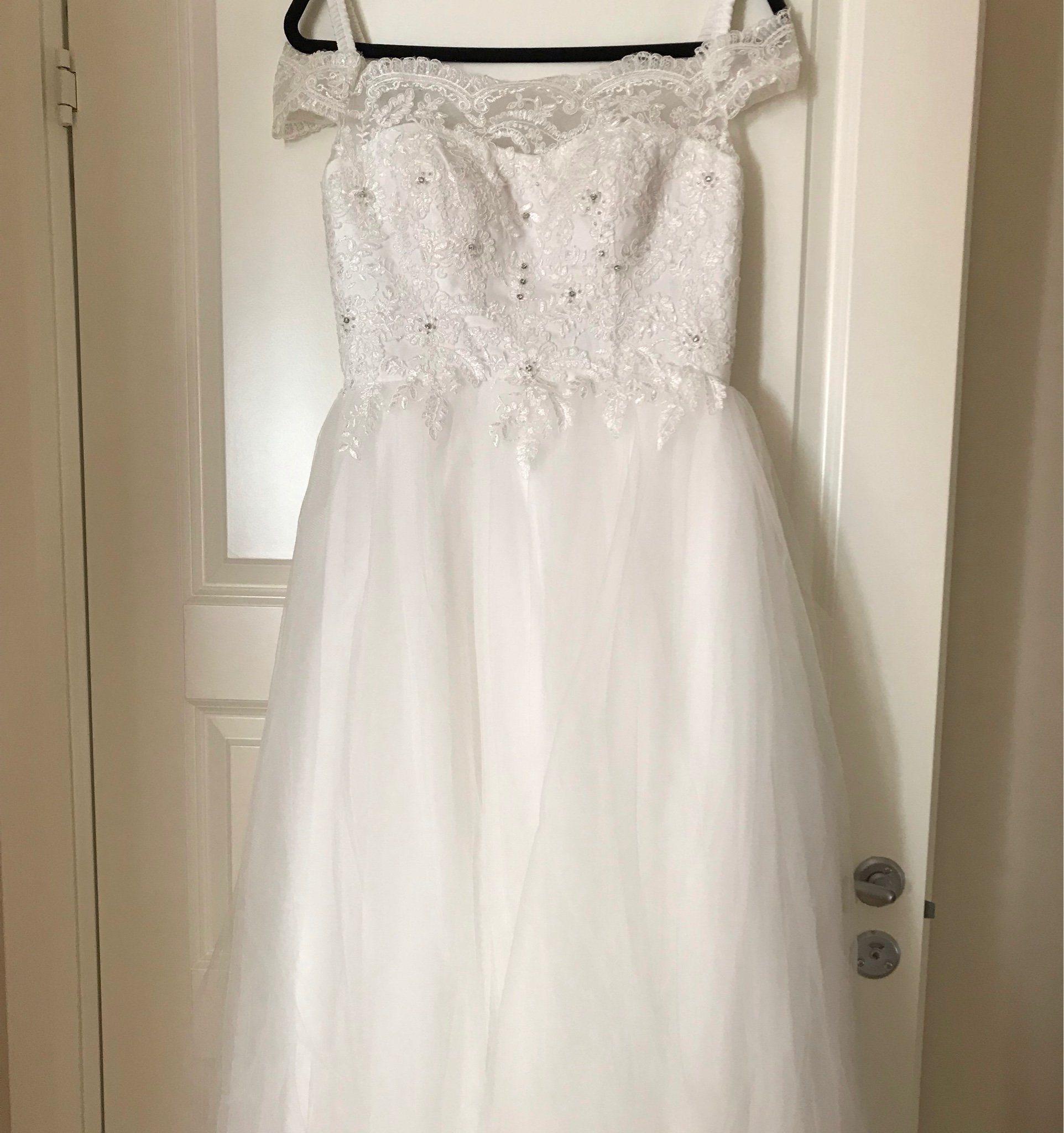44c6b2db8515 Ny oanvänd brudklänning (345031193) ᐈ Köp på Tradera