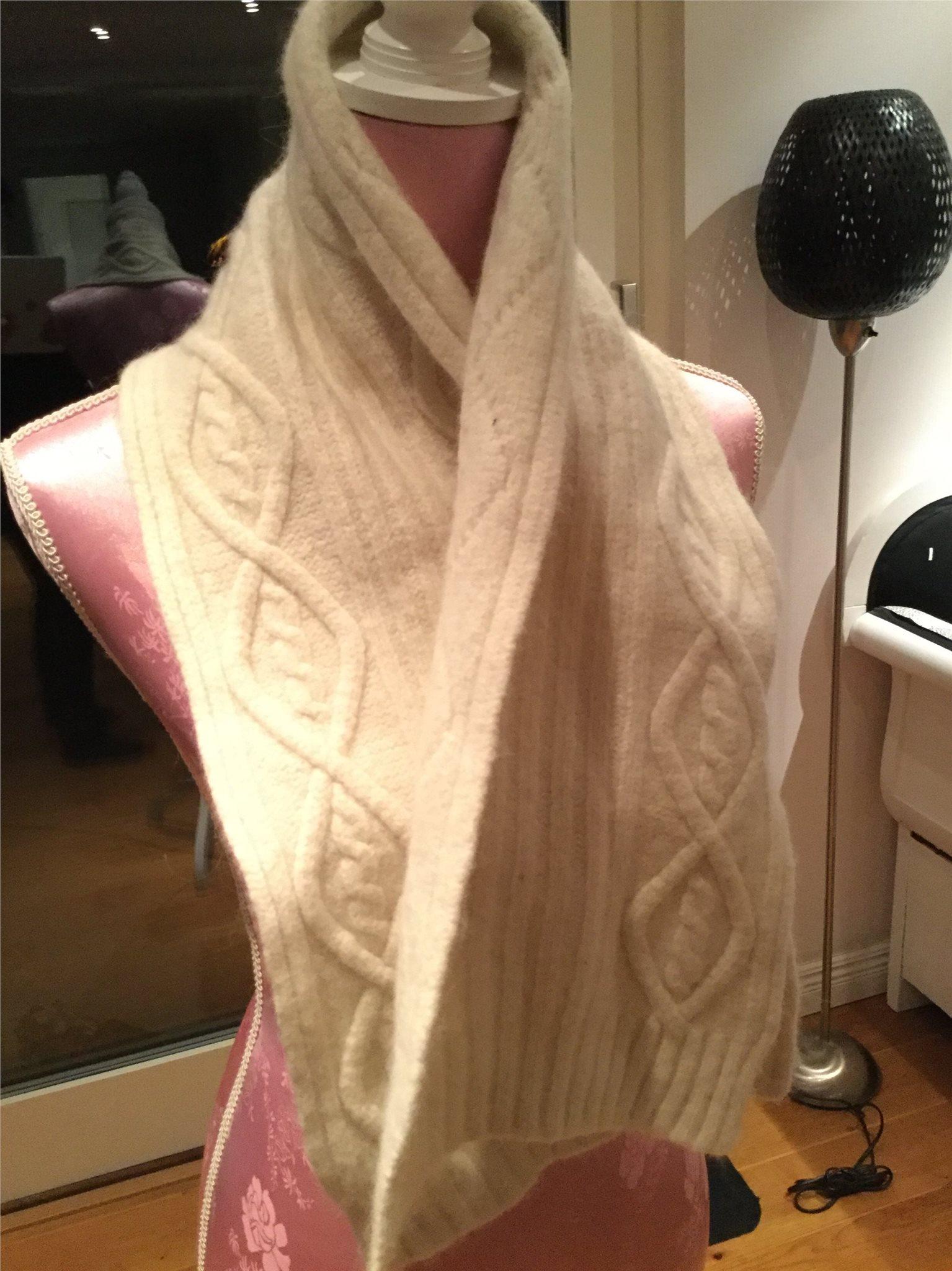 Henri LLoyd stickad scarves   halsduk i bl a ul.. (335413001) ᐈ Köp ... 39753ad38044d