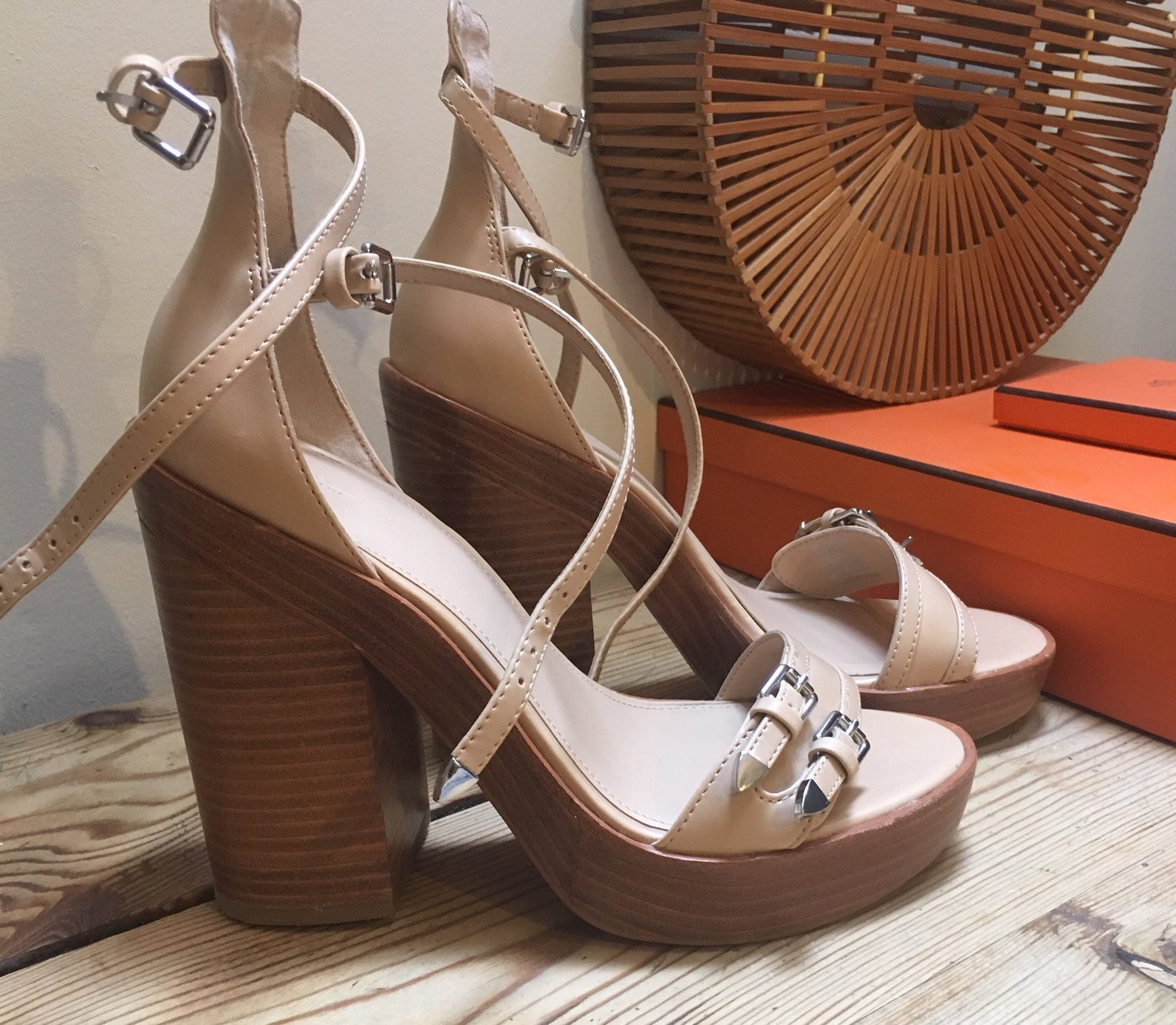 b2bdb8fe6f3 ZARA platå sandal sandalett beige creme trä klack 37 trend fest student ...