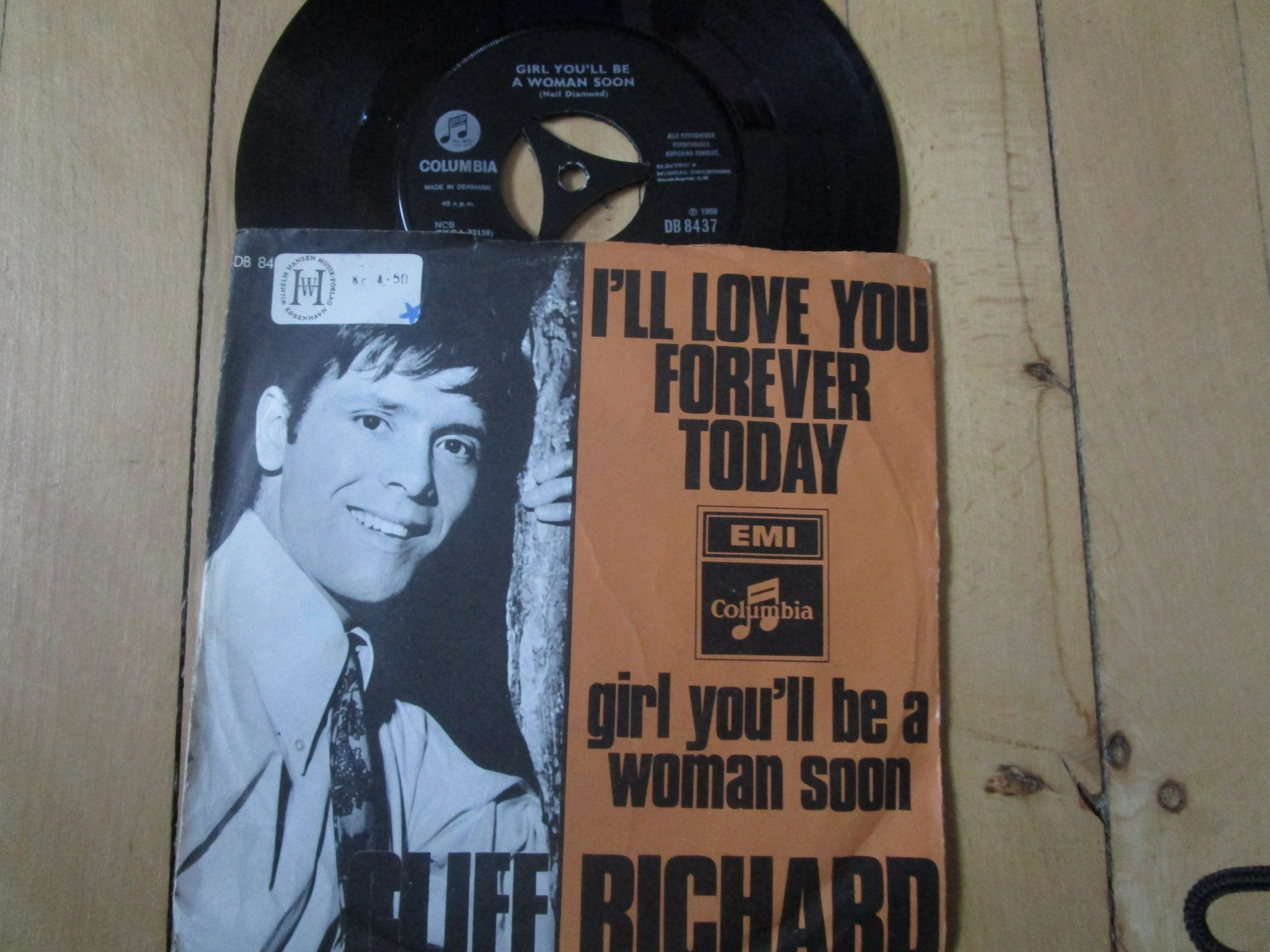 Cliff Richard I´ll love you forever today/Girl you´ll be a woman soon Danmark