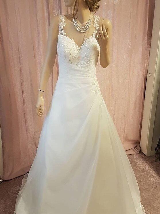 d16b6bb0e420 Brudklänning storlek 40 , bröllopsklänning, spe.. (353884222) ᐈ Köp ...