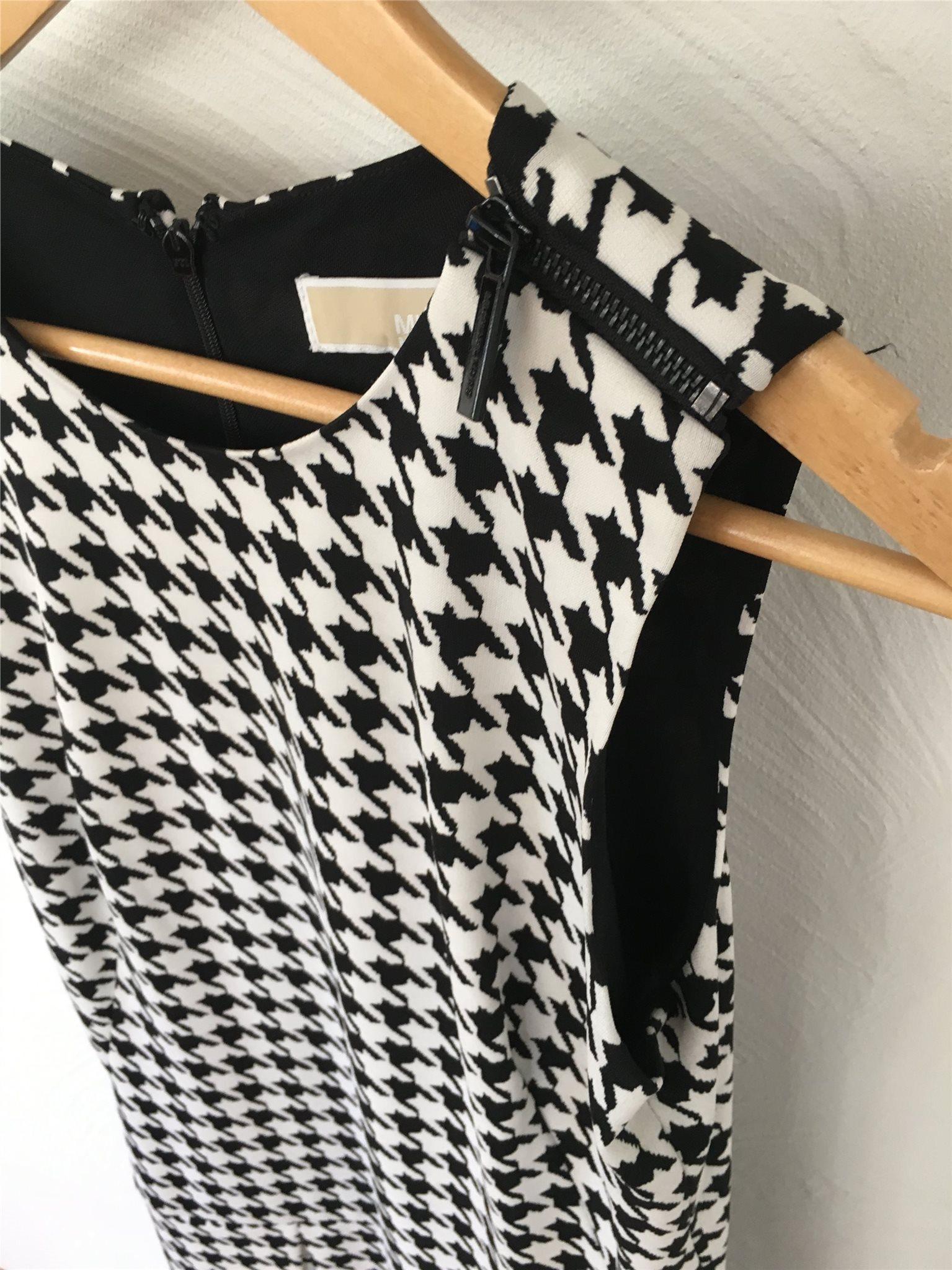 88c773012486 MIchael Kors nyskick - klänning - svart och vit.. (333980336) ᐈ Köp ...