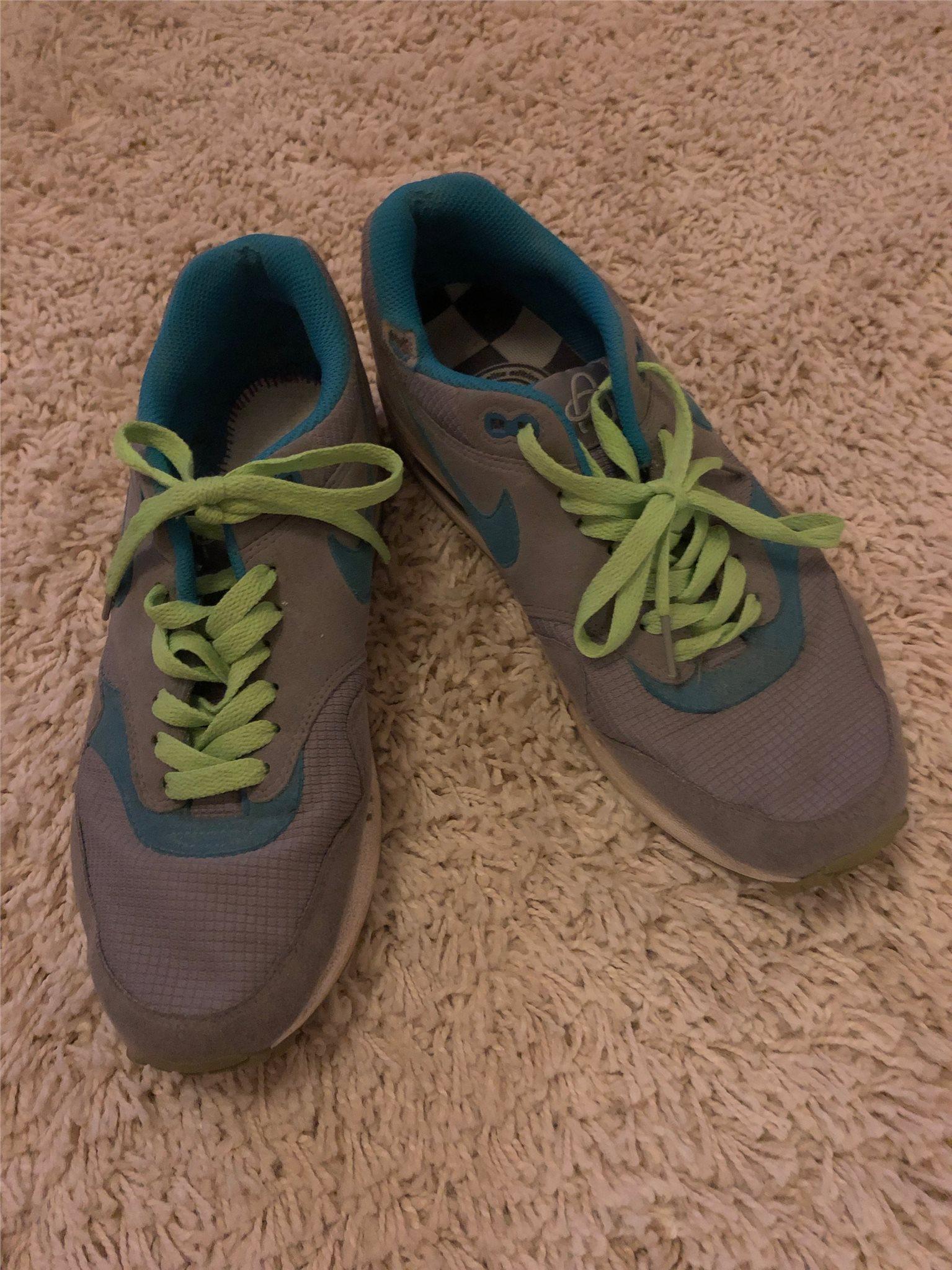 info for fb7e0 fd008 Nike Air Sneakers storlek 42,5