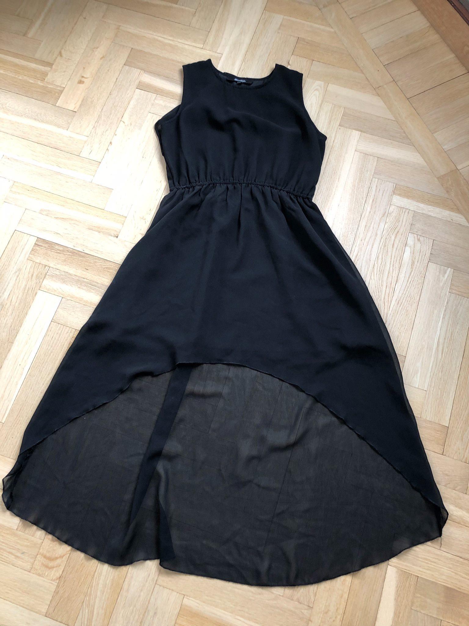 svart klänning kort fram lång bak