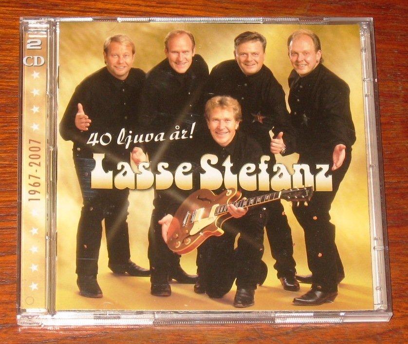 Lasse Stefanz I MINA SKOR.LIVE