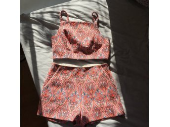 Topshop limited edition set shorts och topp magtröja