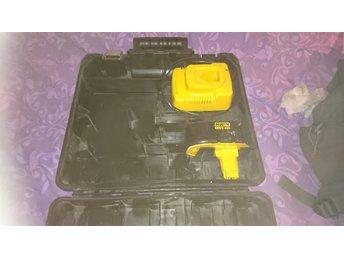 Dewalt, laddare och batteri i låda - Kumla - Dewalt, laddare och batteri i låda - Kumla