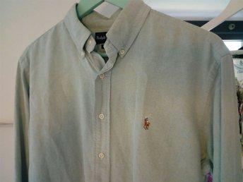 Javascript är inaktiverat. - Göteborg - Ralph Lauren skjorta ljusgrön.Herr storlek 16, vad jag kan utläsa på deras hemsida som motsvarar L. Fint skick. Köpt i NYC. - Göteborg