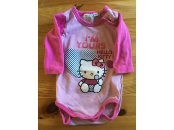Rosa body med Hello Kitty i strl 62