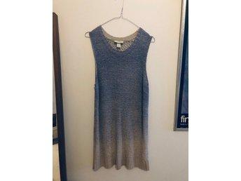 Monki stickad klänning storlek Medium (399343644) ᐈ Köp på