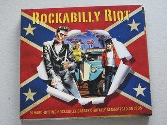 Javascript är inaktiverat. - Nynäshamn - Rockabilly Riot Dubbel CD - 50 Låtar1-1–Sleepy La Beef - Little Bit More1-2–Johnny Todd - Pink Cadillac1-3–Johnny Burnette - Lonesome Train1-4–Pat Cupp - Do Me No Wrong1-5–Sonny Hall - My Big Fat Baby1-6–Don Cole - Snake Eyed Mam - Nynäshamn