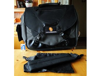 ᐈ Köp & sälj väskor second hand på Tradera